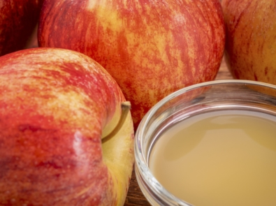 7 Uses and Benefits of Apple Cider Vinegar featured image