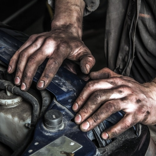 Cleaning Greasy Hands image