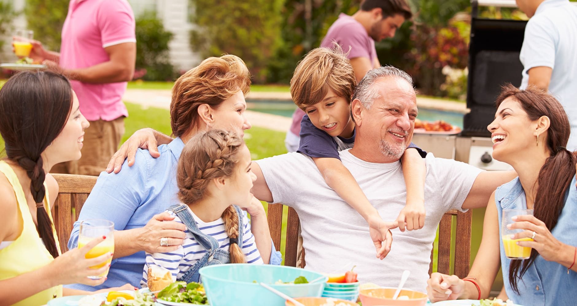 10 Clever Ideas To Make Your Family Reunion A Success!image preview