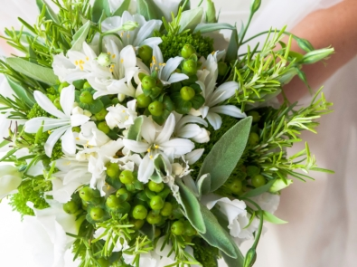 20 Herbs (And Their Meanings) To Add To Your Wedding Bouquet featured image