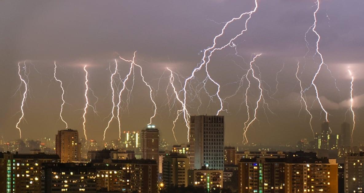 Lightning - Lightning strike