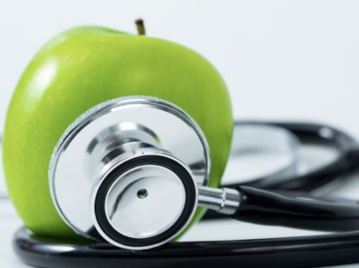 Does Eating an Apple A Day Really Keep The Doctor Away? featured image