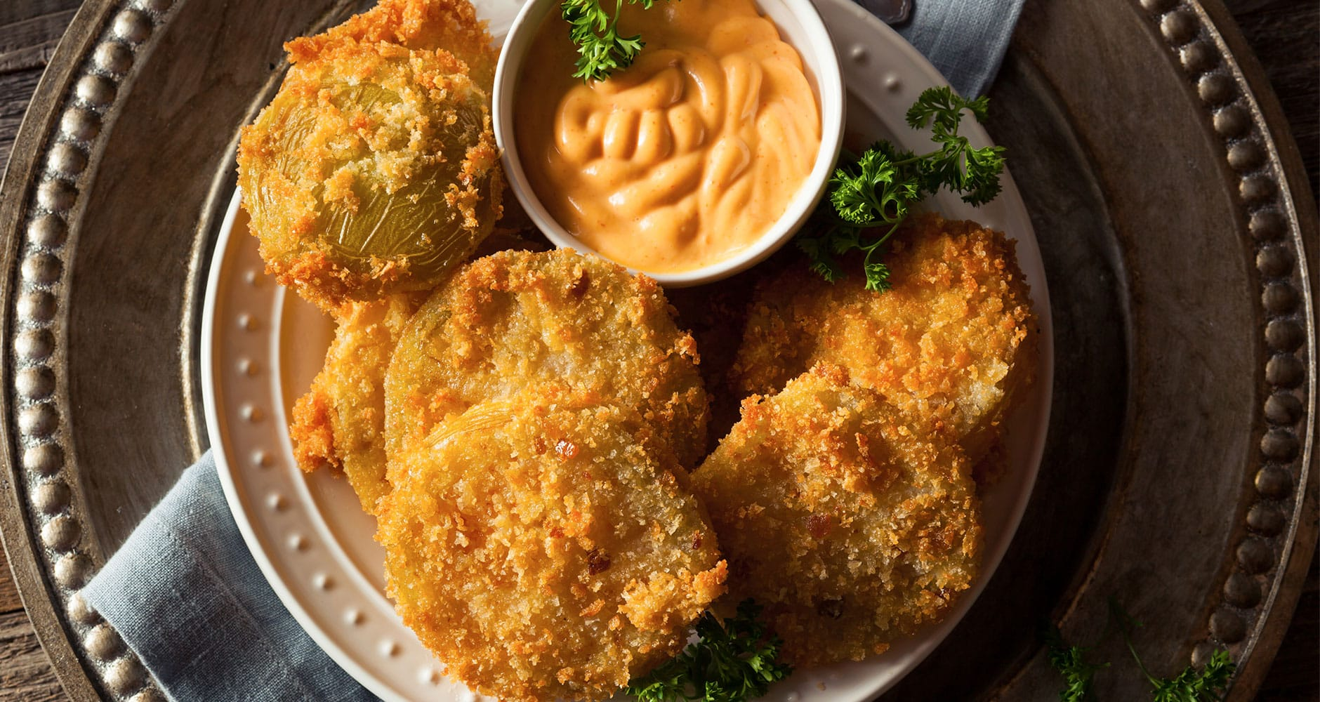 Fried Green Tomatoes With Sriracha Dipping Sauceimage preview