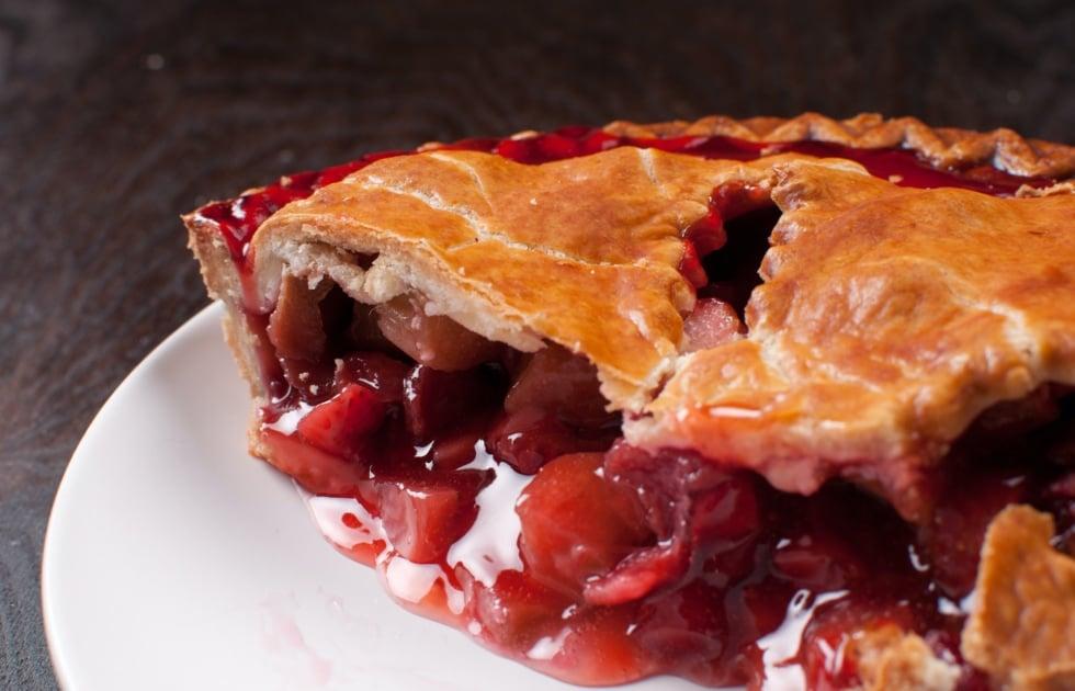 Rhubarb pie - Strawberry pie